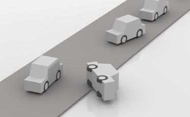 最近多い、ブレーキとアクセルの踏み間違え事故はどうなくす?